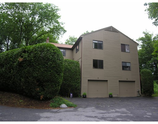 Single Family Home for Rent at 9 Treetop Park 9 Treetop Park Westborough, Massachusetts 01581 United States