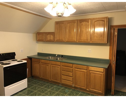 شقة للـ Rent في 711 main st #2 711 main st #2 Southbridge, Massachusetts 01550 United States