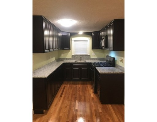 独户住宅 为 出租 在 58 Central Street 58 Central Street 皮博迪, 马萨诸塞州 01960 美国