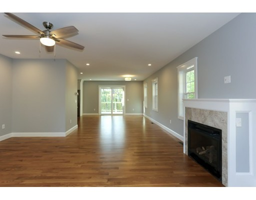 Picture 2 of 491 Essex Ave Unit 2 Gloucester Ma 3 Bedroom Condo