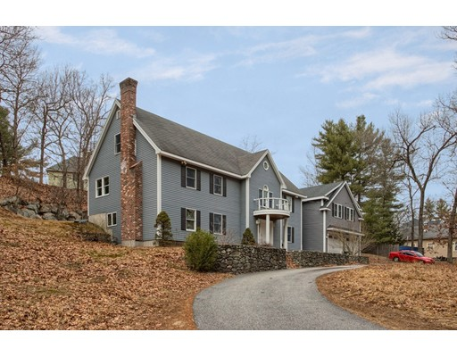 Picture 4 of 136 Andover St  Wilmington Ma 4 Bedroom Single Family
