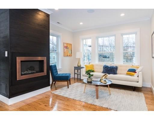 共管式独立产权公寓 为 销售 在 77 Fairmont Street 77 Fairmont Street 阿灵顿, 马萨诸塞州 02474 美国