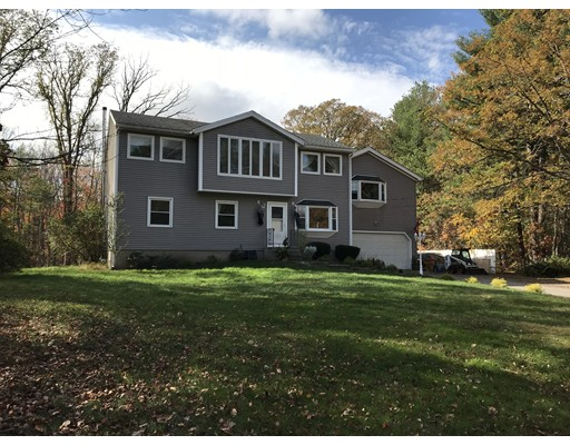 Casa Unifamiliar por un Venta en 11 Coulson Road Berlin, Massachusetts 01503 Estados Unidos