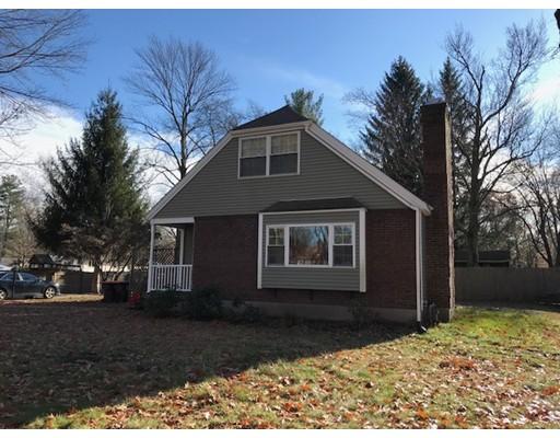 Maison unifamiliale pour l Vente à 79 Poinsetta Street 79 Poinsetta Street Agawam, Massachusetts 01001 États-Unis