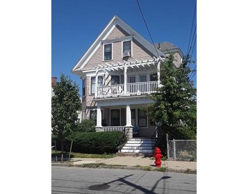Maison avec plusieurs logements pour l Vente à 44 Winthrop Street 44 Winthrop Street Everett, Massachusetts 02149 États-Unis