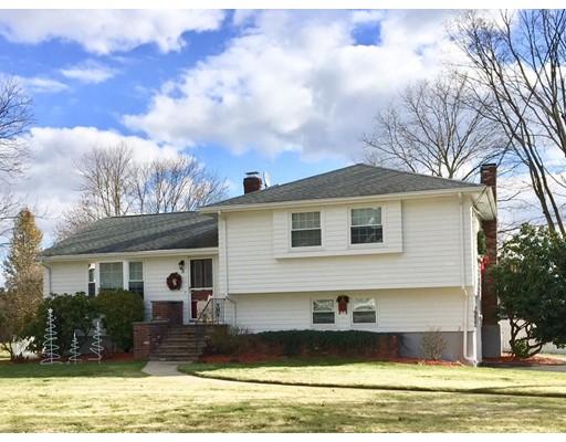 Maison unifamiliale pour l Vente à 5 Nancy Road 5 Nancy Road Milford, Massachusetts 01757 États-Unis