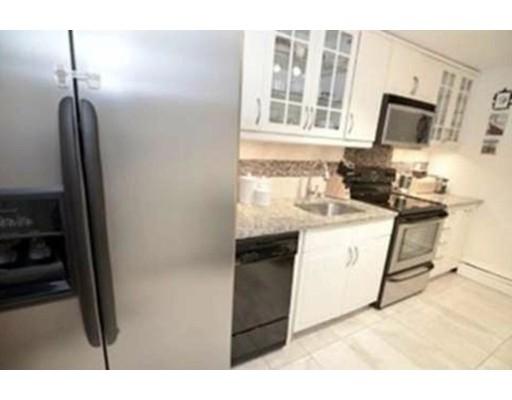 Appartement en copropriété pour l à louer à 31 Westgate Rd #2 31 Westgate Rd #2 Newton, Massachusetts 02467 États-Unis