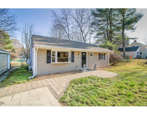 Single Family Home for Sale at 1139 Edgell Road 1139 Edgell Road Framingham, Massachusetts 01701 United States