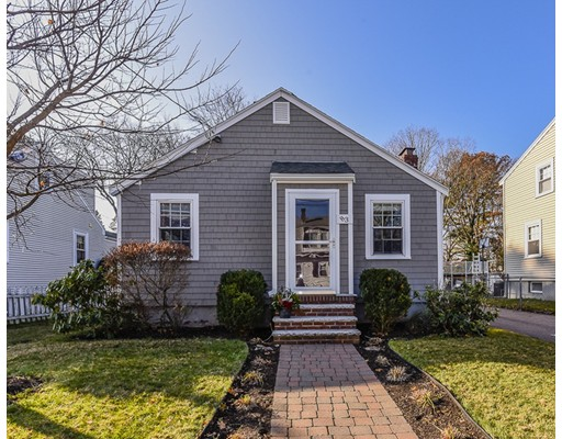 Maison unifamiliale pour l Vente à 83 Kimball Road 83 Kimball Road Dedham, Massachusetts 02026 États-Unis