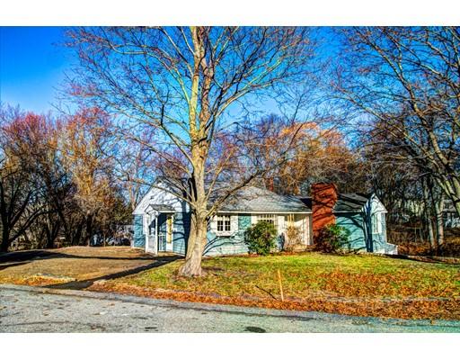 واحد منزل الأسرة للـ Sale في 11 Sharon Avenue 11 Sharon Avenue Chelmsford, Massachusetts 01863 United States