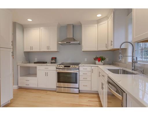 独户住宅 为 销售 在 116 Van Norden Road 116 Van Norden Road Reading, 马萨诸塞州 01867 美国