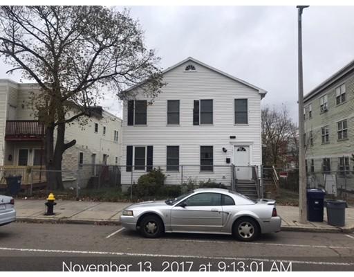 Maison avec plusieurs logements pour l Vente à 1067 Blue Hill Avenue 1067 Blue Hill Avenue Boston, Massachusetts 02124 États-Unis