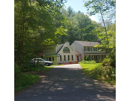 Single Family Home for Sale at 247 Allen Road 247 Allen Road Belchertown, Massachusetts 01007 United States