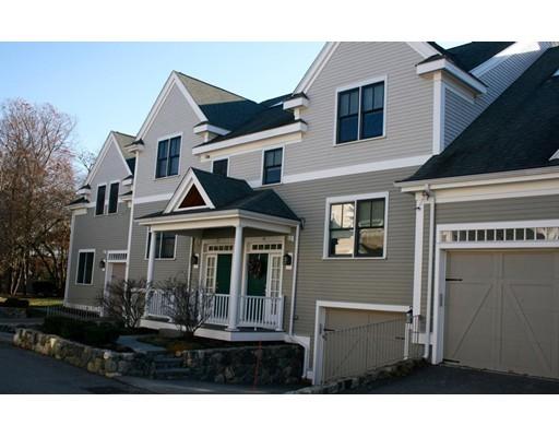 共管式独立产权公寓 为 销售 在 45 Courtyard Place #45 45 Courtyard Place #45 Lexington, 马萨诸塞州 02420 美国