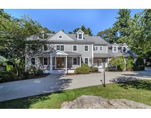 Maison unifamiliale pour l Vente à 2 Bretton Road 2 Bretton Road Dover, Massachusetts 02030 États-Unis