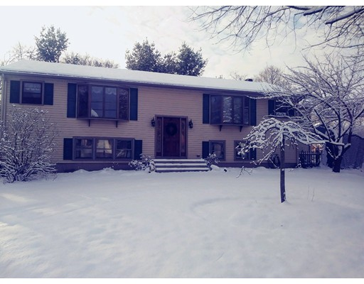 Single Family Home for Sale at 21 Simpson Avenue 21 Simpson Avenue Attleboro, Massachusetts 02703 United States