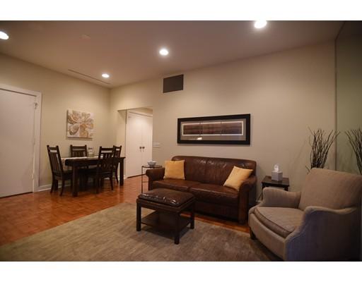 共管物業 為 出售 在 99 Florence Street 99 Florence Street Newton, 麻塞諸塞州 02467 美國