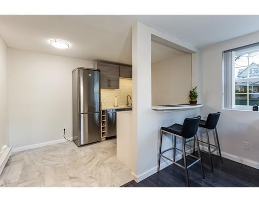 Appartement en copropriété pour l Vente à 116 Sycamore Street 116 Sycamore Street Somerville, Massachusetts 02145 États-Unis