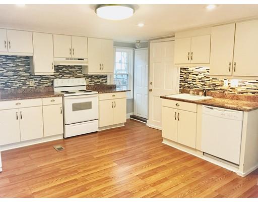 Casa Multifamiliar por un Venta en 49 Carnes Street Lynn, Massachusetts 01905 Estados Unidos