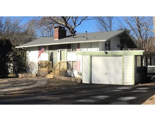 واحد منزل الأسرة للـ Sale في 55 Evelyn Street 55 Evelyn Street Dartmouth, Massachusetts 02747 United States