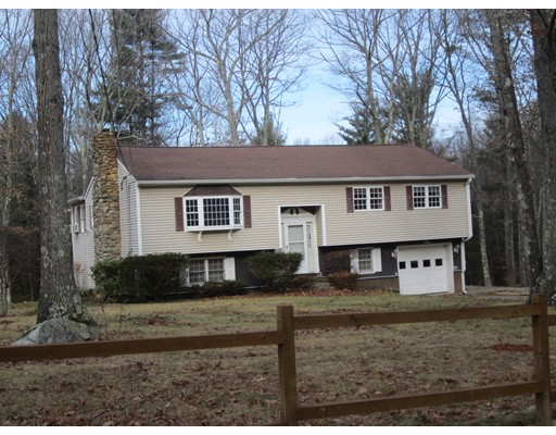 Single Family Home for Rent at 191 Farnsworth Road 191 Farnsworth Road Templeton, Massachusetts 01468 United States