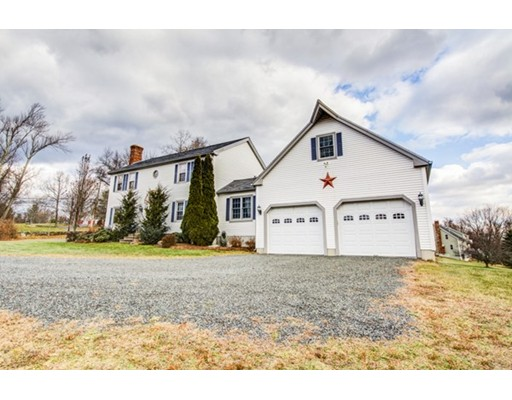 Casa Unifamiliar por un Venta en 204 Ragged Hill Road 204 Ragged Hill Road West Brookfield, Massachusetts 01585 Estados Unidos