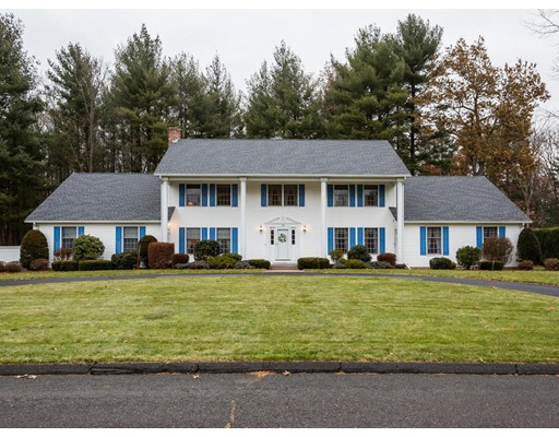 واحد منزل الأسرة للـ Sale في 15 Oxford Lane 15 Oxford Lane East Longmeadow, Massachusetts 01028 United States