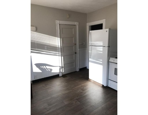 Single Family Home for Rent at 39 Boardman Avenue 39 Boardman Avenue Melrose, Massachusetts 02176 United States