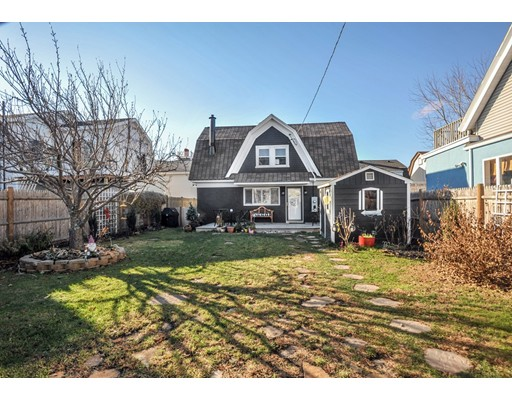 独户住宅 为 销售 在 83 Fowler Avenue 83 Fowler Avenue Revere, 马萨诸塞州 02151 美国