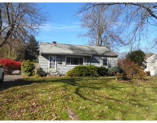 Single Family Home for Sale at 89 River Road 89 River Road Agawam, Massachusetts 01001 United States