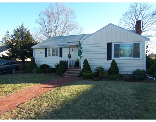 Частный односемейный дом для того Продажа на 16 Cindy Lane 16 Cindy Lane Braintree, Массачусетс 02184 Соединенные Штаты
