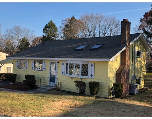 Single Family Home for Rent at 7 Surrey Road 7 Surrey Road Woburn, Massachusetts 01801 United States