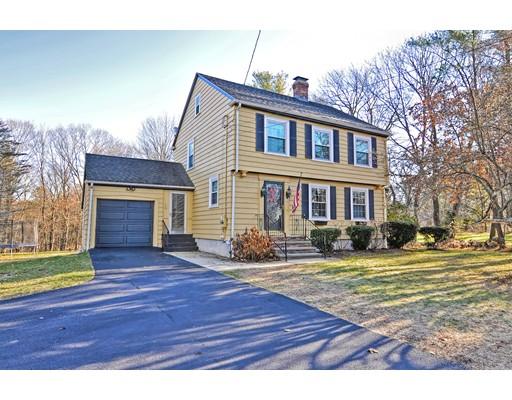 Maison unifamiliale pour l Vente à 568 Hill Street 568 Hill Street Northbridge, Massachusetts 01588 États-Unis