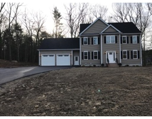 Single Family Home for Sale at 68 Foxboro Road 68 Foxboro Road Wrentham, Massachusetts 02093 United States