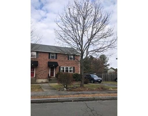 Casa Unifamiliar por un Alquiler en 55 Charles Street 55 Charles Street Winchester, Massachusetts 01890 Estados Unidos
