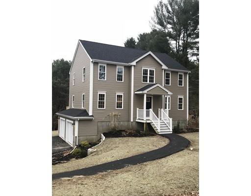 独户住宅 为 销售 在 517 Plymouth Street Middleboro, 02346 美国