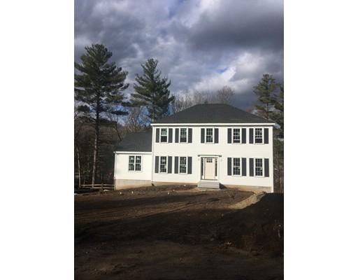 واحد منزل الأسرة للـ Sale في 50 Railroad Avenue 50 Railroad Avenue Millis, Massachusetts 02054 United States