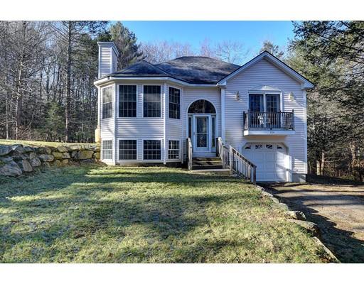 واحد منزل الأسرة للـ Sale في 184 Mashapaug Road 184 Mashapaug Road Holland, Massachusetts 01521 United States