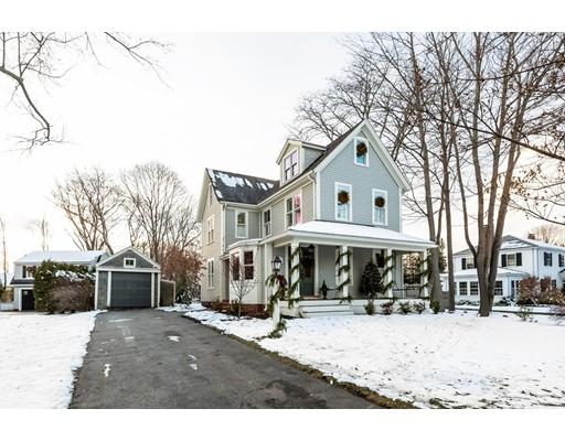 独户住宅 为 销售 在 45 Middle Street 45 Middle Street 欣厄姆, 马萨诸塞州 02043 美国