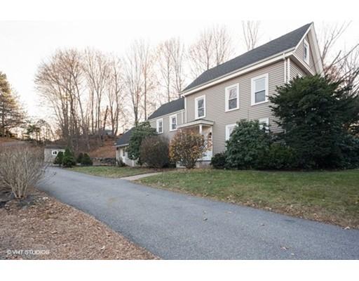 Maison unifamiliale pour l Vente à 193 Salem Street 193 Salem Street Woburn, Massachusetts 01801 États-Unis