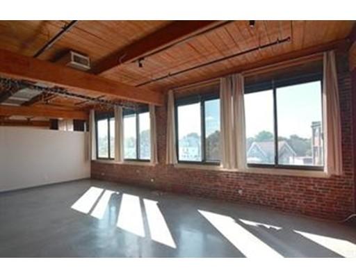 独户住宅 为 出租 在 950 Dorchester Avenue 波士顿, 02125 美国