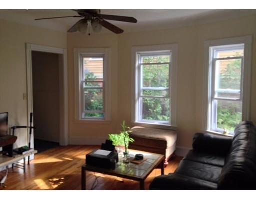 Maison accolée pour l à louer à 8 Conwell St #1 8 Conwell St #1 Somerville, Massachusetts 02143 États-Unis
