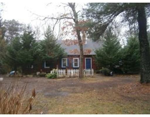 Частный односемейный дом для того Продажа на 621 Lumbert Mill Road 621 Lumbert Mill Road Barnstable, Массачусетс 02630 Соединенные Штаты
