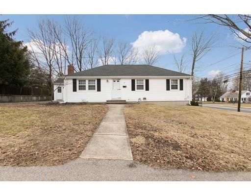 Casa Unifamiliar por un Alquiler en 5 Calvin Road #0 5 Calvin Road #0 North Attleboro, Massachusetts 02760 Estados Unidos