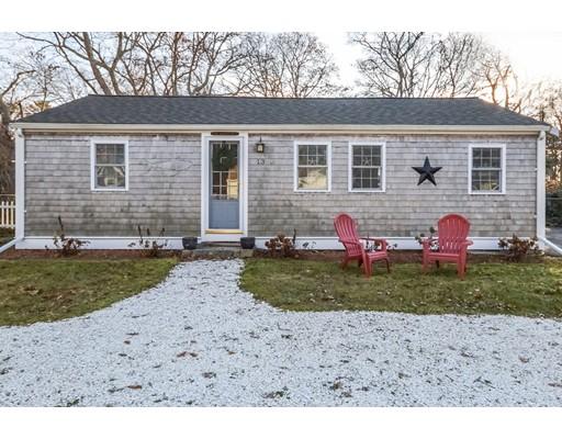 Maison unifamiliale pour l Vente à 13 Churchill Drive 13 Churchill Drive Falmouth, Massachusetts 02536 États-Unis