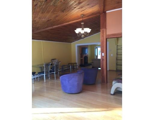 Частный односемейный дом для того Аренда на 18 Avon Street 18 Avon Street Reading, Массачусетс 01867 Соединенные Штаты