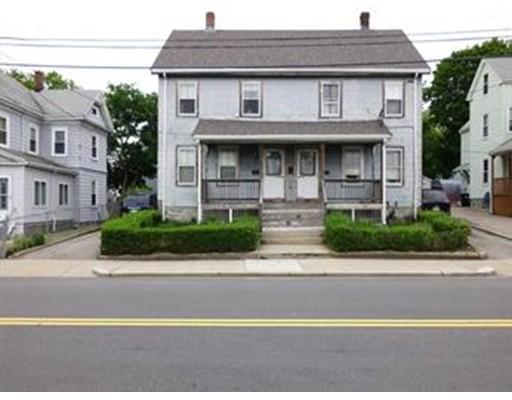 Maison avec plusieurs logements pour l Vente à 1531 River Street 1531 River Street Boston, Massachusetts 02136 États-Unis