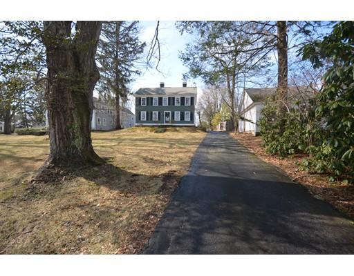 Maison unifamiliale pour l Vente à 30 South Street 30 South Street Grafton, Massachusetts 01519 États-Unis