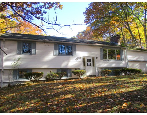 Single Family Home for Sale at 12 Oakland Drive Spencer, Massachusetts 01562 United States