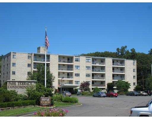 共管式独立产权公寓 为 销售 在 200 Park Terr 斯托纳姆, 马萨诸塞州 02180 美国